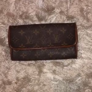 New AUTHENTIC Louis Vuitton Wallet!